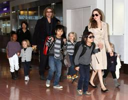 Angelina Jolie and Brad Pitt to Reconcile for Kids? Actor Having a Hard time without his Kids, Ready to Give Up Everything