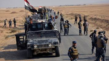Mosul battle: IS 'loses 800-900' fighters - US general