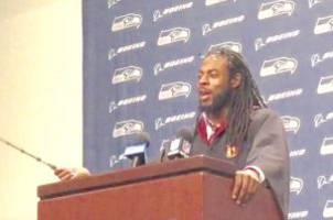richard sherman showed up to a press conference in full harry potter garb