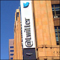 Twitter Hopes Fade as Salesforce Deal Slips Away