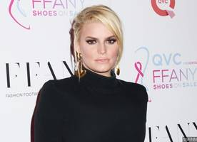 jessica simpson is reportedly pregnant again as she's trying to save marriage
