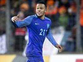 manchester united misfit memphis depay keeps quiet about everton transfer, saying 'we'll have to see'