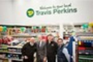 mike tindall opens new travis perkins branch in cheltenham