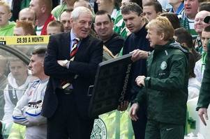 former rangers manager walter smith says gordon strachan is still the right man for scotland
