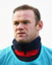 manchester united star wayne rooney 'may lose england captaincy' over boozing