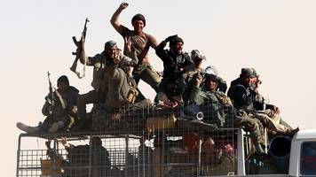 mosul battle: iraq militias 'cut off is access to city'