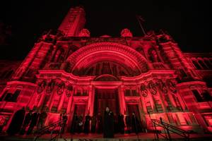 houses of parliament lit up in red for persecuted christians