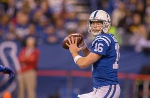 Scott Tolzien Shows Life with Touchdown to Donte Moncrief (Video)