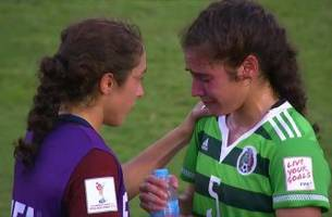 usa u-20 player consoles twin sister playing on losing mexico side