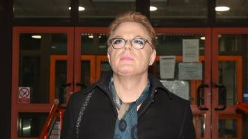 eddie izzard 'stood up to abuser after years of transgender attacks'