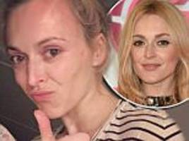 Fearne Cotton goes make-up free in mismatched pyjamas for cosy Instagram selfie