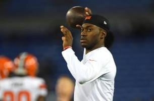 Cleveland Browns 'Hopeful' Robert Griffin III Starts Again in 2016