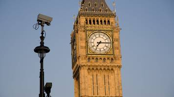 'Snoopers' charter' petition hits signatures target