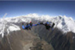 world skydiving record broken in himalayas by notts engineer