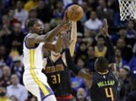 Golden State Warriors extend winning streak to 12 games against the Atlanta Hawks whileRussell Westbrook's third consecutive triple-double helps OKC down the New York Knicks
