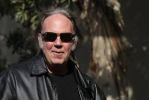 Neil Young to President Obama: 'End the Violence' at Standing Rock