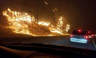Driver makes harrowing escape from Tennessee wildfires; video