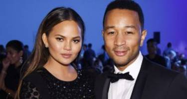 Chrissy Teigen Wiki: Age, Marriage, Net Worth, and Everything You Need to Know about John Legend's Wife