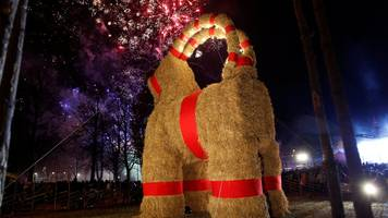 Sweden Gavlebocken: Giant Christmas goat doesn't last a day