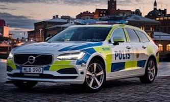2017 Volvo V90 is the Latest Police Car in Sweden, Undergoes Slalom Testing