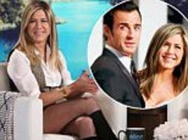 jennifer aniston reveals how hubby justin theroux surprised her on thanksgiving