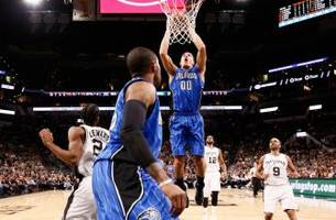 Magic stun Spurs, win in San Antonio for first time since 2009