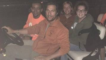 US star Matthew McConaughey gives students 'safe ride' home