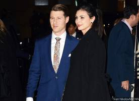morena baccarin is engaged to ben mckenzie, flaunts engagement ring at gotham awards