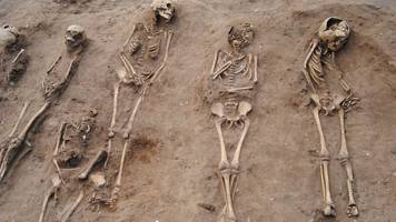 thornton abbey black death plague pit excavated