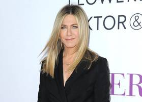 Jennifer Aniston debuts on Snapchat thanks to Ellen DeGeneres