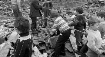 Police chief accepts 'bias' in initial RUC bar bomb probe that killed 15