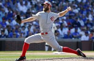 Cincinnati Reds have decisions to make with tender deadline looming
