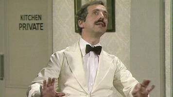 Andrew Sachs: Fawlty Towers' 'I know nothing' scene