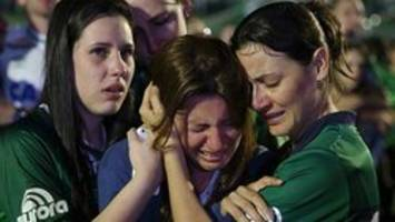 Brazil soccer team honoured as experts study possible fuel problem in plane crash