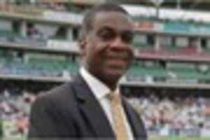 michael holding pledges money to derbyshire's women's world cup...