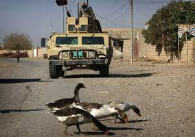 isis uses water as weapon in mosul conflict