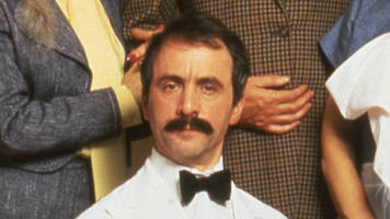 fawlty towers comic waiter dies