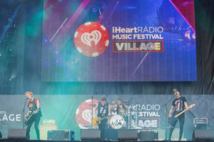 Look out, Spotify — iHeartRadio crashes the subscription music scene