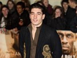 hector bellerin believes arsenal are getting closer to ending their long wait to win the premier league title