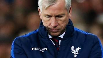 crystal palace in 'mini-crisis' admits alan pardew