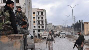 Aleppo siege: Syria rebels lose 60% of territory