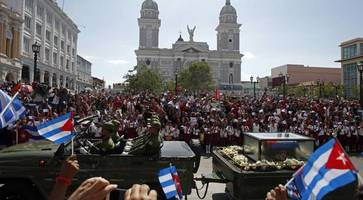 Fidel Castro's ashes arrive in eastern city of Santiago