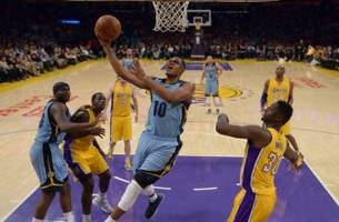 lakers at grizzlies live stream: how to watch online