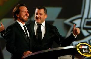 tony stewart honored by nascar, pearl jam's eddie vedder in big way