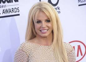 britney spears gets surprise birthday cake on stage at 2016 jingle ball