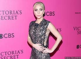 lady gaga wants fans to join her at super bowl halftime show
