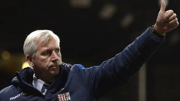 Crystal Palace boss Alan Pardew thanks chairman Steve Parish for support