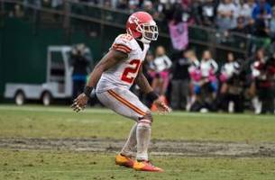 eric berry earns beautiful pick-six, gives ball to mom (video)