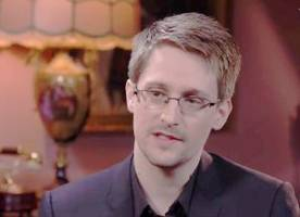 Edward Snowden: David Petraeus Shared Info 'Far More Highly Classified Than I Ever Did'