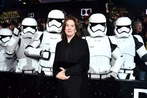 star wars producer kathleen kennedy has 'every intention' of hiring female directors
